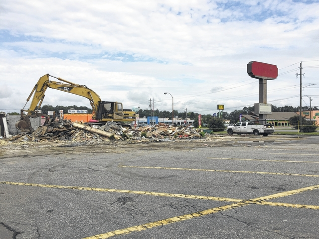Former Shoney's to house new First Bank branch