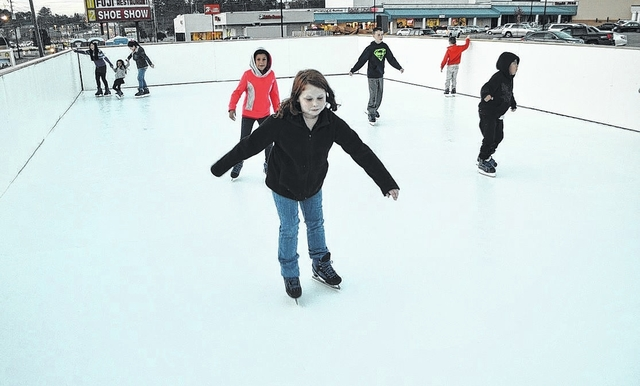 Richmond Plaza ice-skating rink opens after city inspection